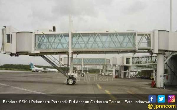 Bandara SSK II Pekanbaru Percantik Diri dengan Garbarata - JPNN.com