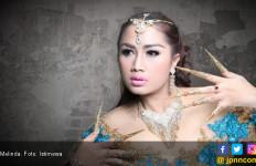 Foto Bareng Pengurus Partai Beredar, Melinda: Duh Ngerih Ah - JPNN.com