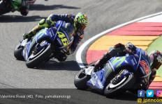 Penderitaan Valentino Rossi saat Balapan MotoGP Aragon - JPNN.com