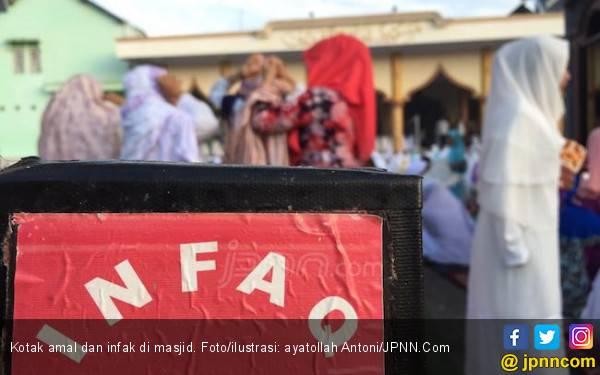 Ckck, Kotak Amal Musala Dibobol Maling - JPNN.com