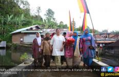 Temui Induak Bako, Mbak Puan Makan Bajamba di Rumah Gadang - JPNN.com