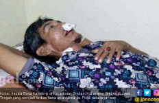 Warga Dua Desa Bentrok, Gigi Pak Kades Coplok - JPNN.com