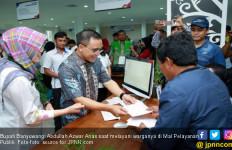 Bupati Anas: Urus Dokumen Harus Menyenangkan - JPNN.com