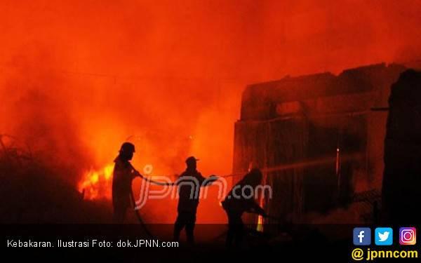 Gedung 26 Lantai Ambruk Dilalap Api, Rasanya Seperti Tsunami - JPNN.com