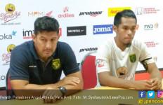 Pelatih Persebaya Soroti Sikap Wasit Saat Lawan PS TNI - JPNN.com