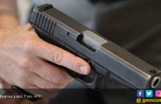 Oknum ASN Malah Todongkan Pistol Saat Utangnya Ditagih - JPNN.com