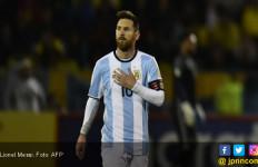 Pertama Sejak 2011, Messi Pilih Ronaldo jadi Pemain Terbaik - JPNN.com