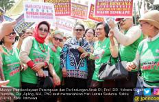 Menteri Yohana Ikut Meriahkan Peringatan Hari Lansia Sedunia - JPNN.com