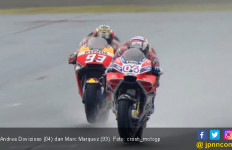 Dovizioso Kalahkan Marquez di Balapan Basah MotoGP Jepang - JPNN.com
