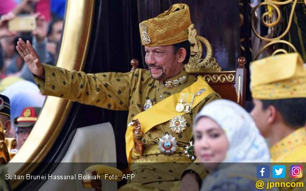 Ditekan Barat, Sultan Brunei Tunda Pemberlakuan Hukum Rajam bagi LGBT - JPNN.com