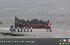 Kontroversi Tugu di Lautan Pasir Bromo - JPNN.com