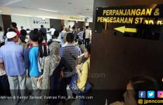 Simak, Perkembangan Klaster COVID-19 di Samsat Polda Metro Jaya - JPNN.com