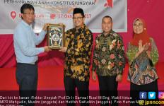 Kejutan Wakil Ketua MPR Mahyudin Kepada Mahasiswa Unsyiah - JPNN.com