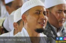 Ustaz Arifin Ilham Meninggal, Syahrini Kehilangan Sosok Guru - JPNN.com