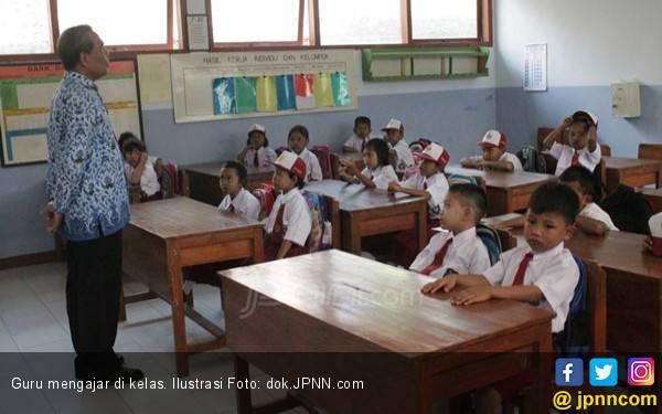 Disdik Lakukan Pemerataan untuk Mengatasi Sekolah Kekurangan Guru - JPNN.com