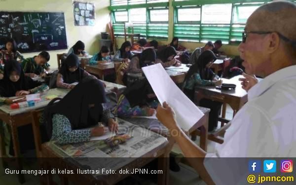 Guru Mogok Ngajar, Kemendikbud Minta Kadisdik Tanggung Jawab - JPNN.com