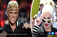 Waduh! Pink dan Christina Aguilera Nyaris Adu Jotos - JPNN.com