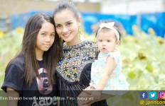 Ririn Ekawati Kagok Urus Dua Anak Sendirian  - JPNN.com