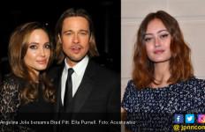Mirip Angelina Jolie Muda, Aktris Ini Dipepet Brad Pitt - JPNN.com