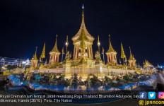 Besok, Jasad Raja Bhumibol Dikremasi di Istana Cantik Ini - JPNN.com