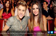 Justin Bieber Tunangan, Begini Respons Selena Gomez - JPNN.com