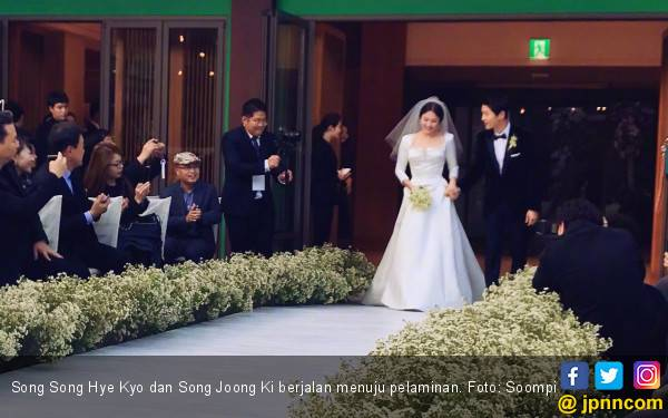 Terkesan SongSong Couple Wedding nan Indah Tapi Sederhana - JPNN.com