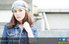 Tutupi Wajah Kekasih dengan Stiker, Angela Lee: Suka-suka Saya - JPNN.com