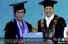 ITS Beri Gelar Doktor HC untuk Susi Pudjiastuti - JPNN.com