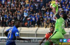 Ezechiel N'douassel Bakal Hengkang dari Persib Bandung - JPNN.com