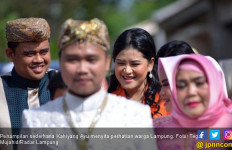Senyum Manis Kahiyang Ayu Bikin Warga Gagal Fokus - JPNN.com
