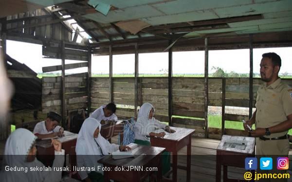 Dispendik Rehab 102 Sekolah yang Rusak - JPNN.com