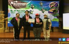 Hebat! Dua Pelajar Surabaya Menang Kompetisi Robot di Jepang - JPNN.com
