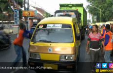 Di Probolinggo, Sopir Angkot Tolak Ojek Online - JPNN.com