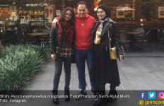 3 Berita Artis Terheboh: Sarita dan Mantan Suami Akrab Lagi, Teddy Sewa 10 Pengacara - JPNN.com