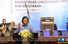 Menteri Siti dan Kenangan Berbaju Korpri - JPNN.com
