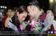 Bunga Jelitha Menangis Haru Dipeluk Ivan Gunawan - JPNN.com