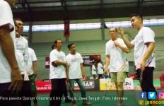 Ratusan Atlet Bulu Tangkis Ikut Coaching Clinic di Tegal - JPNN.com