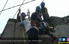 Tukang Bangunan Kesetrum Induk Listrik Tegangan Tinggi - JPNN.com