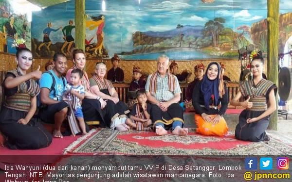 Nikmati Singkong Bakar, Membaca Alquran di Tengah Sawah - JPNN.com