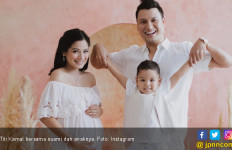 Titi Kamal 2 Kali Keguguran - JPNN.com