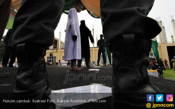 Oknum PNS Ini Lolos dari Hukum Cambuk di Aceh - JPNN.com