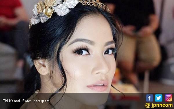 Titi Kamal Selektif Terima Tawaran Endorsement Kosmetik - JPNN.com