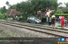 Kronologis Kecelakaan di Perlintasan Kereta Api Bulak Kapal - JPNN.com