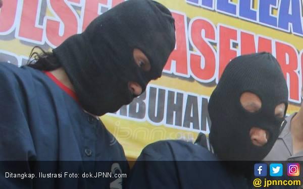 2 Satpam Tergiur Uang di Jok Motor, Parah! - JPNN.com