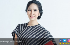 Novita Angie Wajib Koleksi Batik - JPNN.com