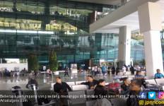 Ruang Tunggu Terminal 2 Bandara Soetta Penuh Kepulan Asap - JPNN.com