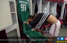 Dikritik Penggemar, Kiper AC Milan Menangis di Ruang Ganti - JPNN.com