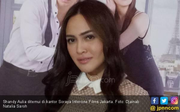 Shandy Aulia Ngamuk Dibilang Jual Diri - JPNN.com