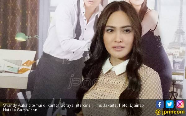 Dituduh Jual Diri Rp 5 Juta, Shandy Aulia Curhat ke Polisi - JPNN.com