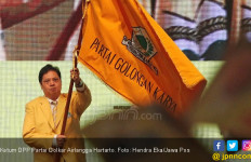 Banyak Kader Diciduk KPK, Golkar Sulit Tembus 3 Besar - JPNN.com